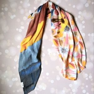 🇪🇸 Desigual pleated scarf flowers painted effect